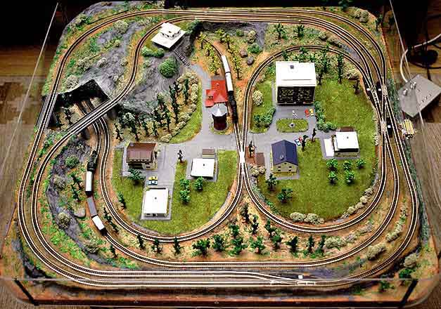 Animator 39 s railroad - Ho scale layouts for small spaces concept ...